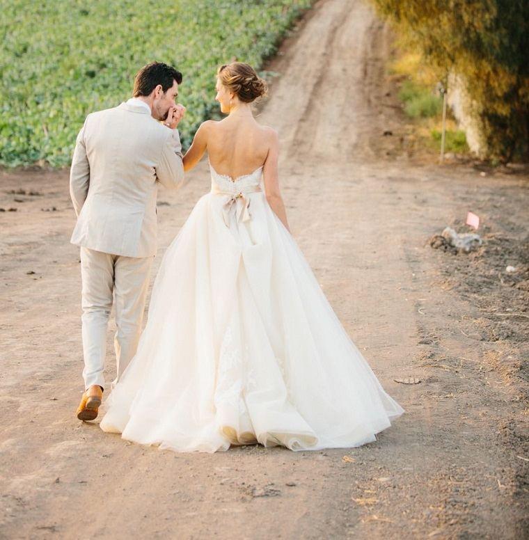 cómo organizar una boda-tendencias-2018-pareja0historia