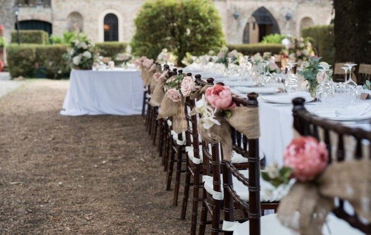 cómo planear una boda-decoracion-sillas