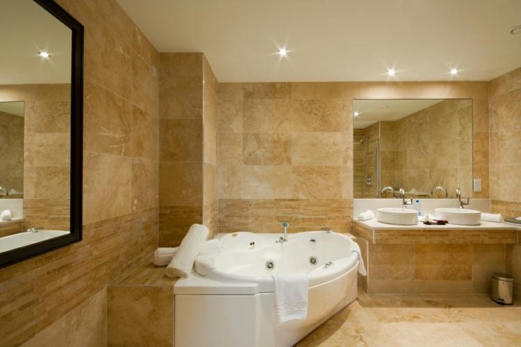 Ba os modernos con piedra para crear ambientes frescos y for Roca marmol