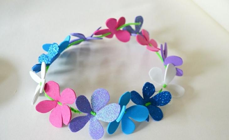 corona-flores-pequenas-azules