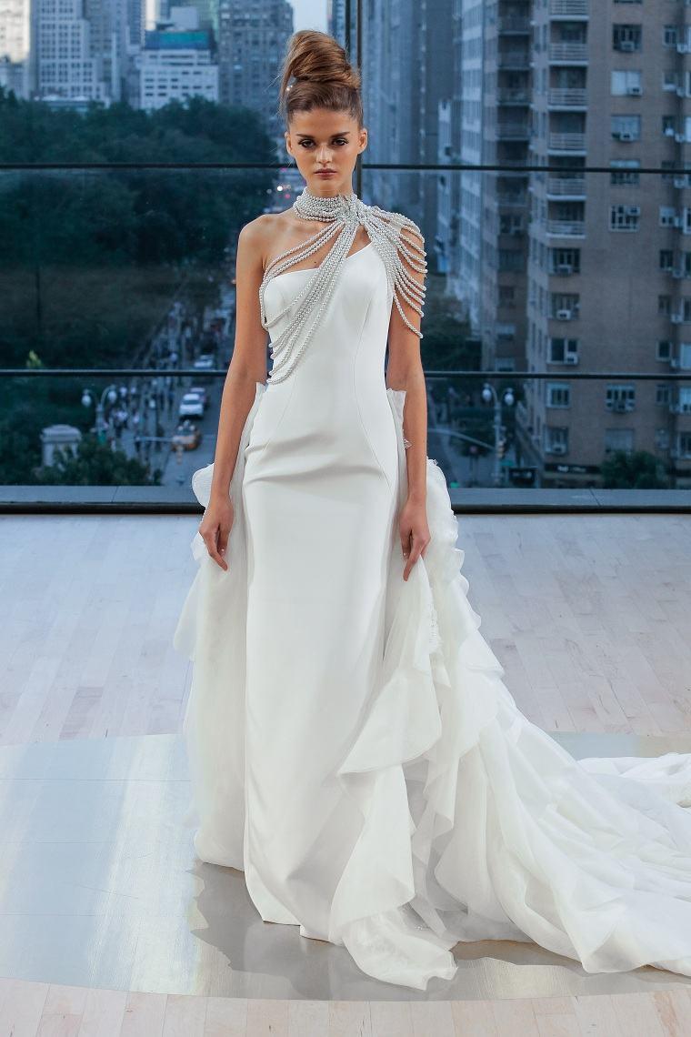 cuello-alto-boda-novia-diseno-moderno