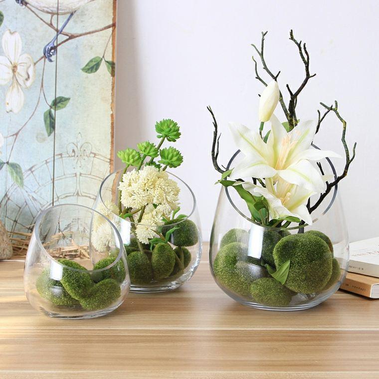 decoracion con flores-artificiales-jarrones-cristal