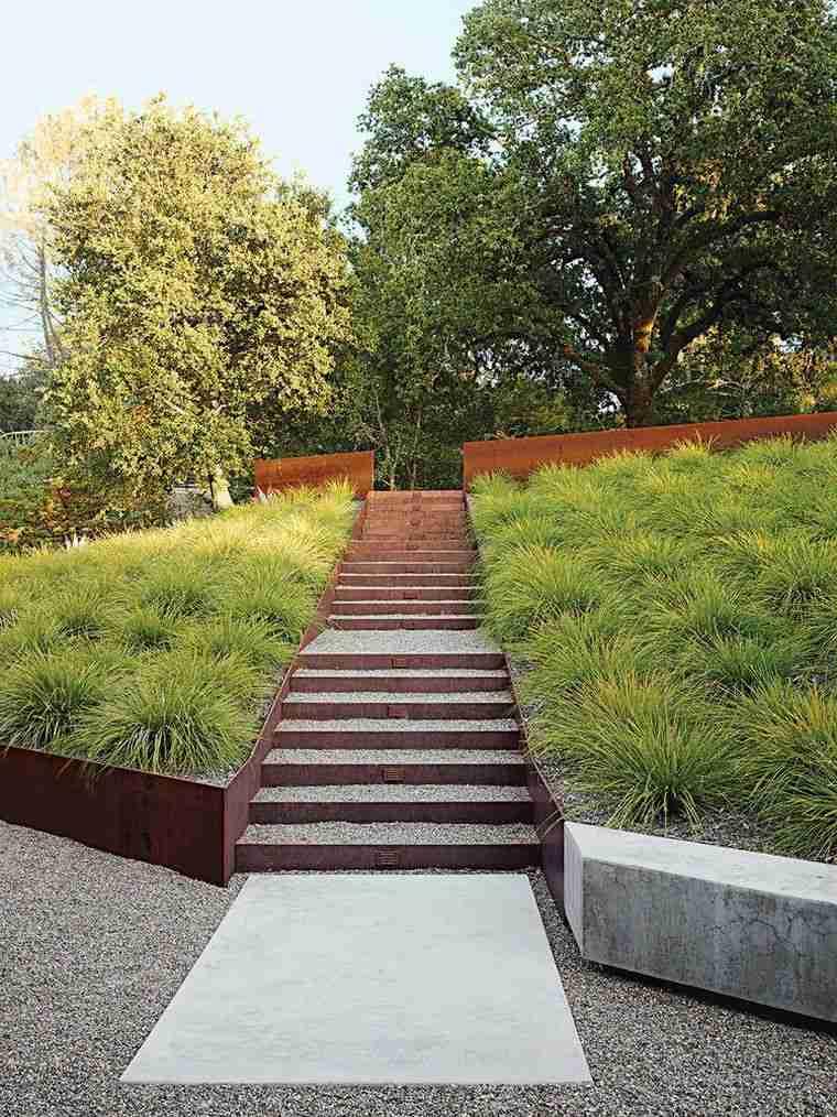 decoración jardín-ideas-escaleras-opciones-grava-acero-corten