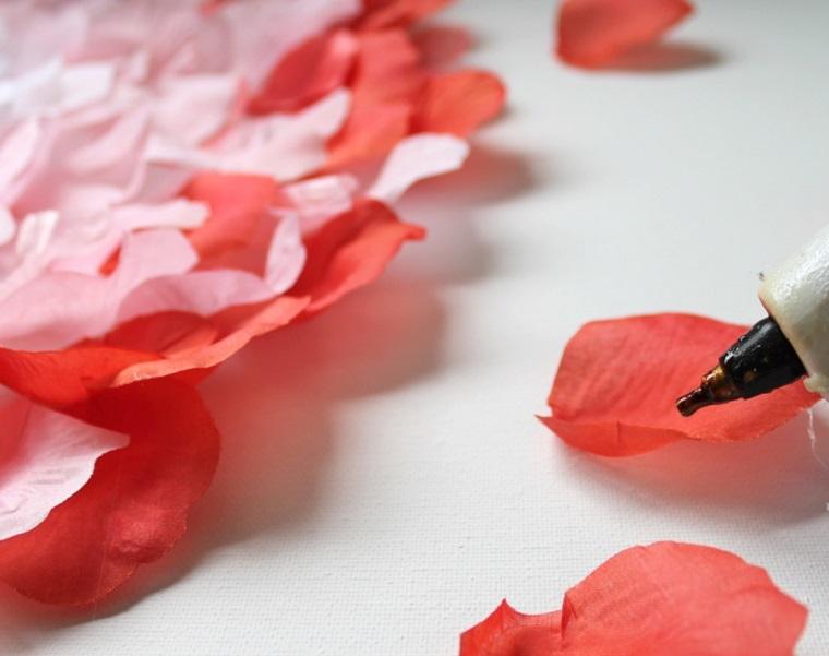 decoracion-pared-cuadro-petalos-rosa-pegamento