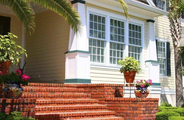 Dise o de escaleras exteriores para jardines modernos for Jardines pequenos con ladrillos