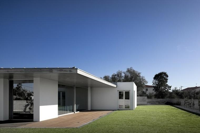 disenos-de-casas-de-un-piso-2-a2-arquitectos-exterior-jardin