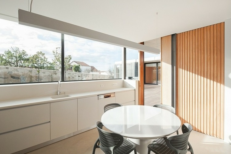 disenos-de-casas-de-un-piso-casa-de-mosteiro-arquitectos-matos-cocina-comedor