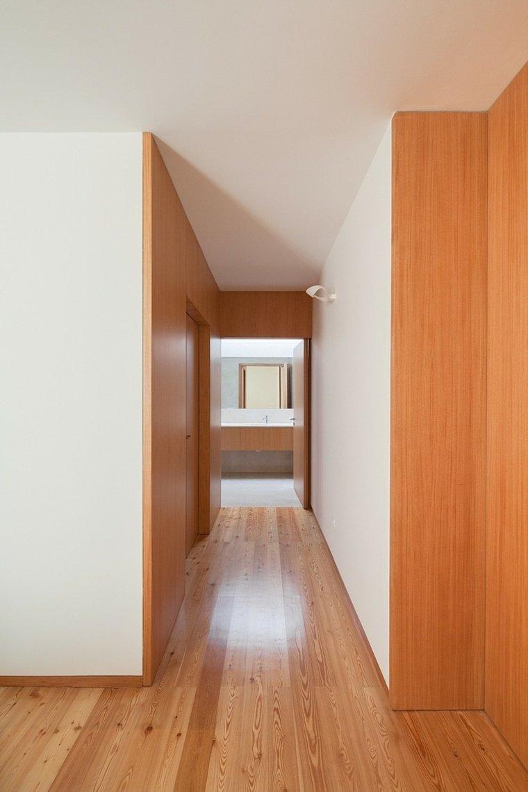 disenos-de-casas-de-un-piso-casa-de-mosteiro-arquitectos-matos-pasillo