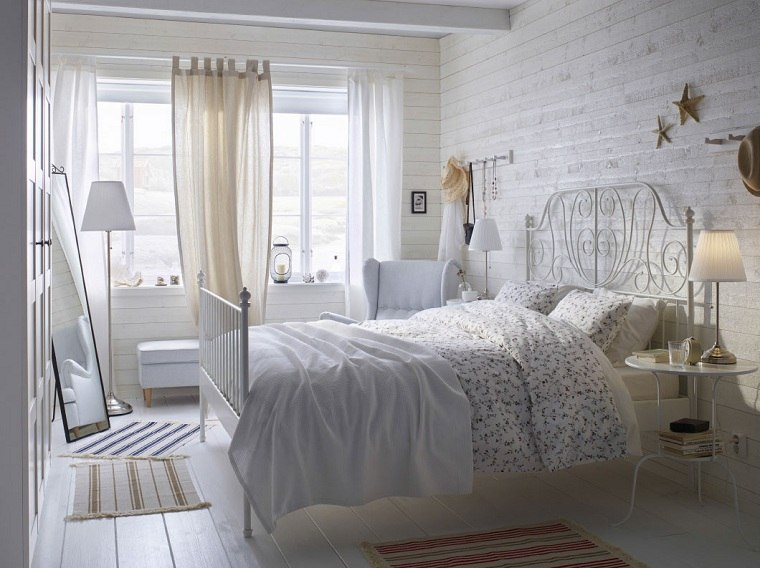 dormitorios-ikea-cama-blanca-diseno-clasico