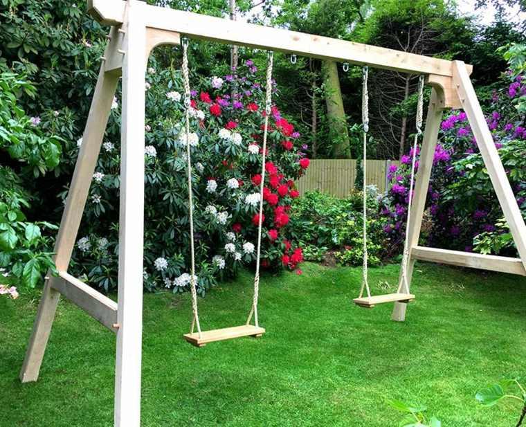 Columpios para jardín y su uso en el diseño del espacio al aire libre -