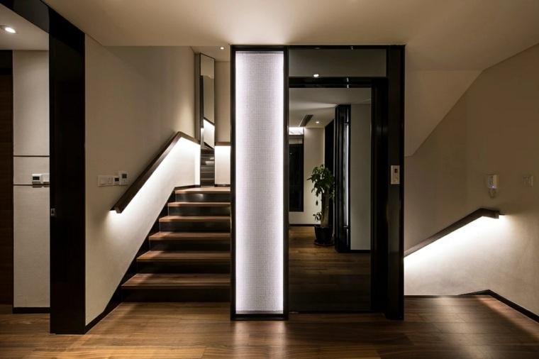 pasillo de estilo moderno