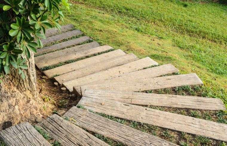 escalones-madera-jardin-decoracion-diseno