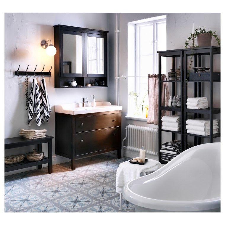 estilo-bano-muebles-color-oscuro