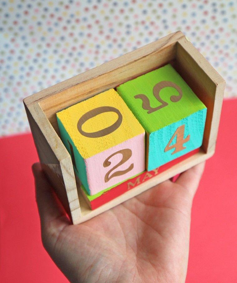 ideas-de-regalos-adolescentes-calendario-bello-colorido-regalo