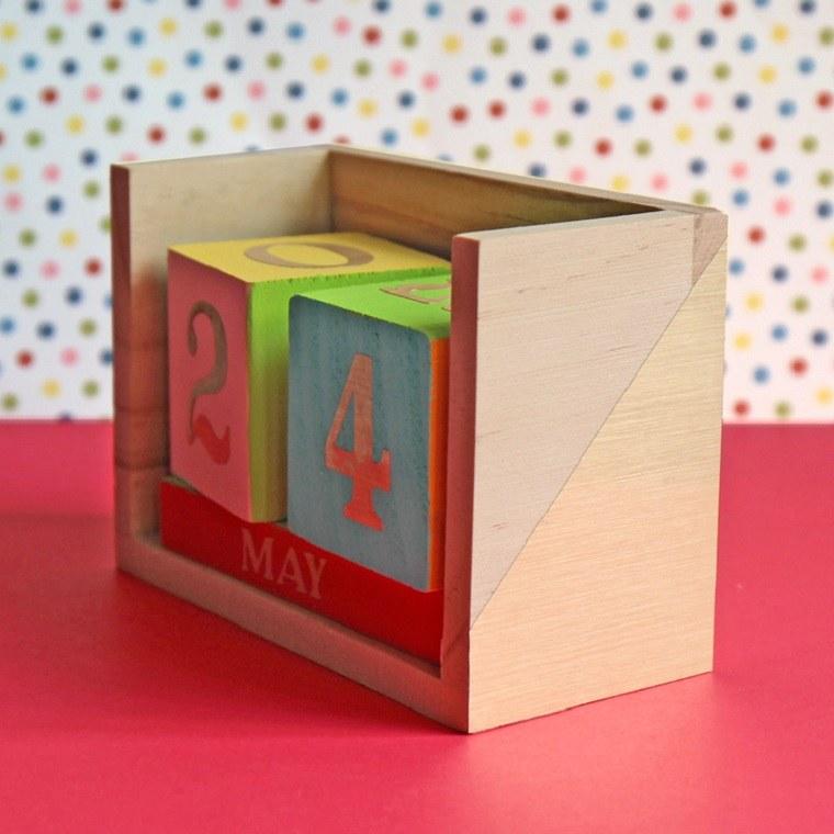 ideas-de-regalos-adolescentes-calendario-bello-colorido