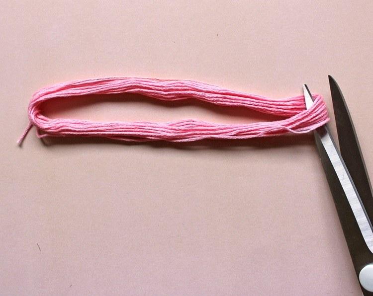 ideas-de-regalos-collar-cortar-hilos