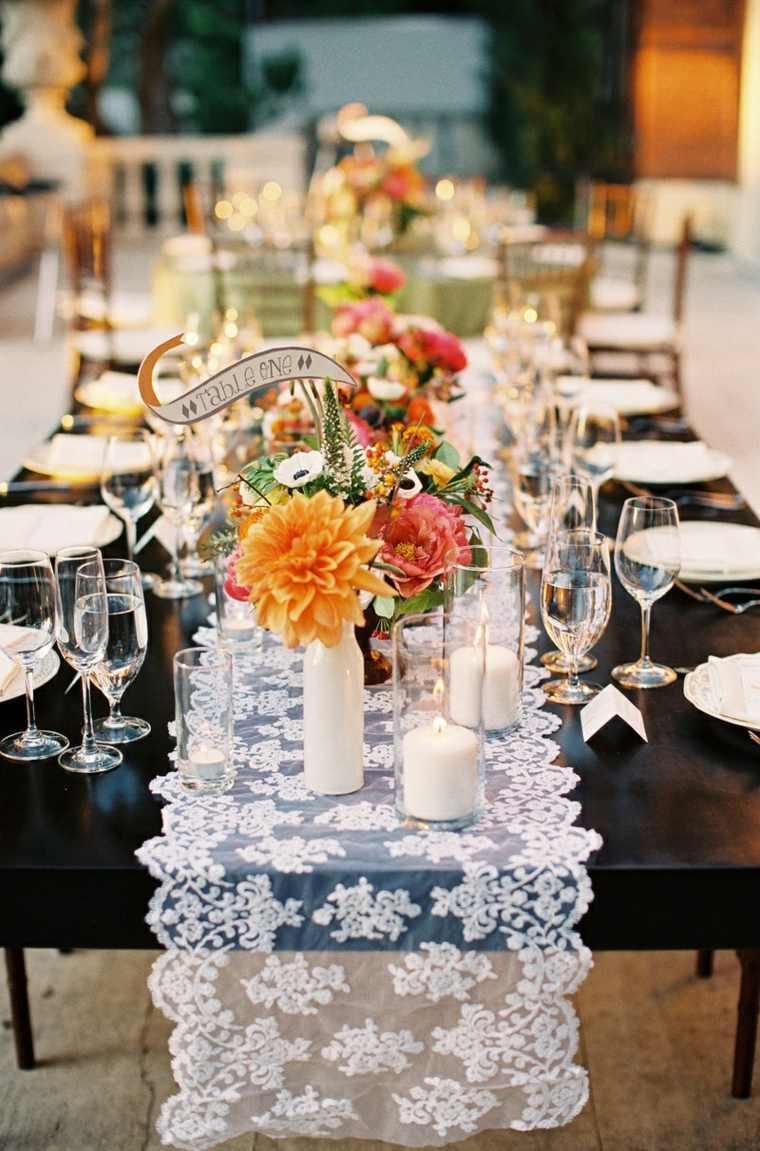 ideas-para-bodas-primavera-decoracion-mesa-flores