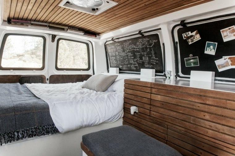 Estupendo diseño de interior con ventanas de pizarra