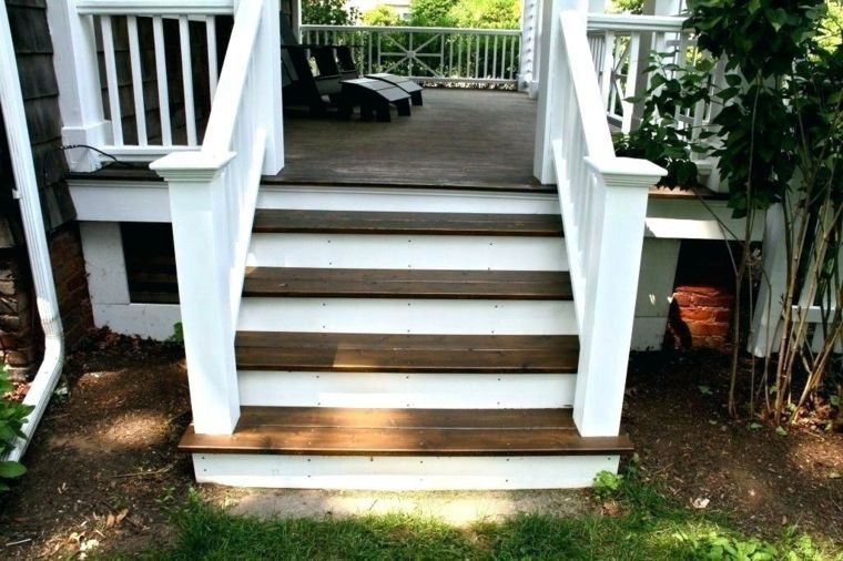 jardines pequenos-escaleras-madera