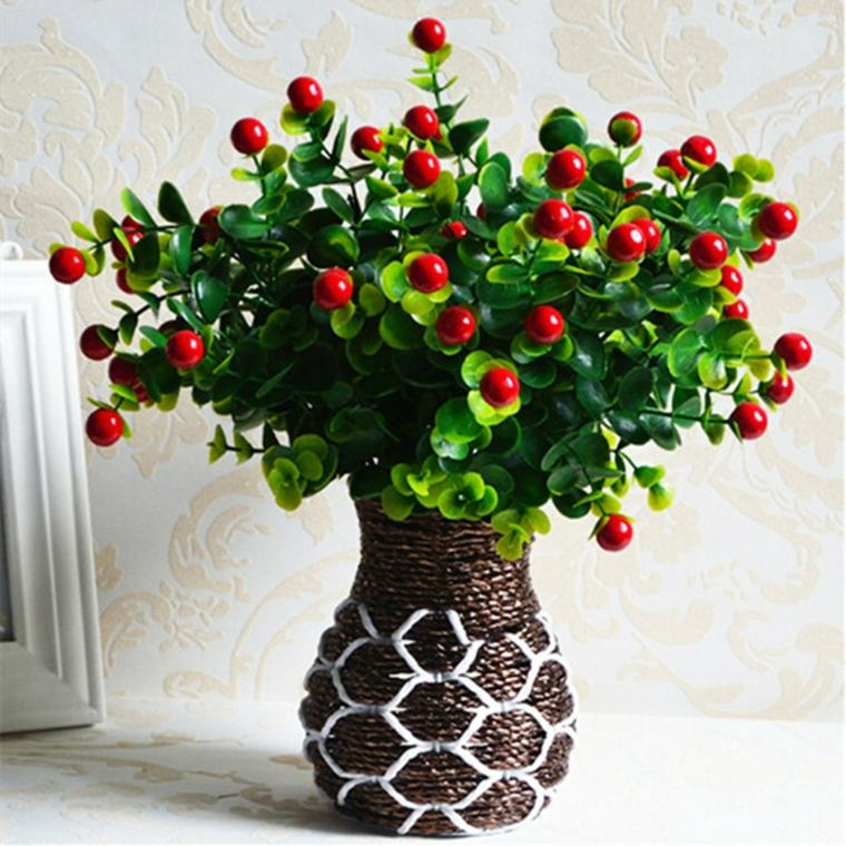Decoracion con flores y jarrones en el interior para la primavera -