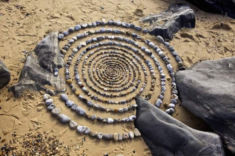 mandalas espectaculares-piedras-playas