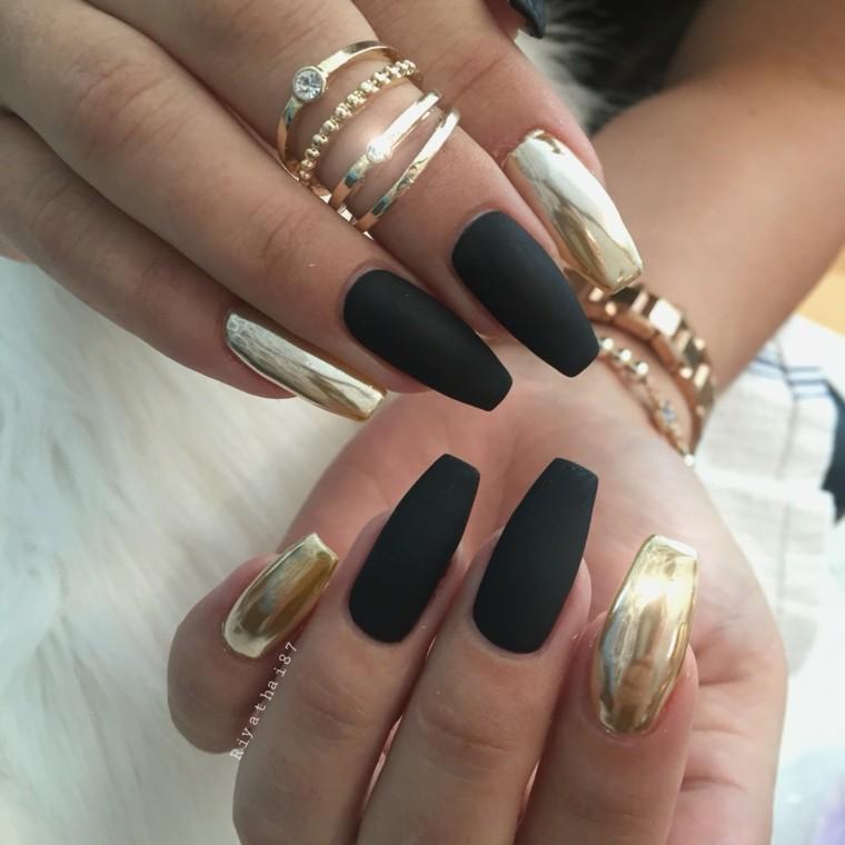 manicura-negro-y-dorado