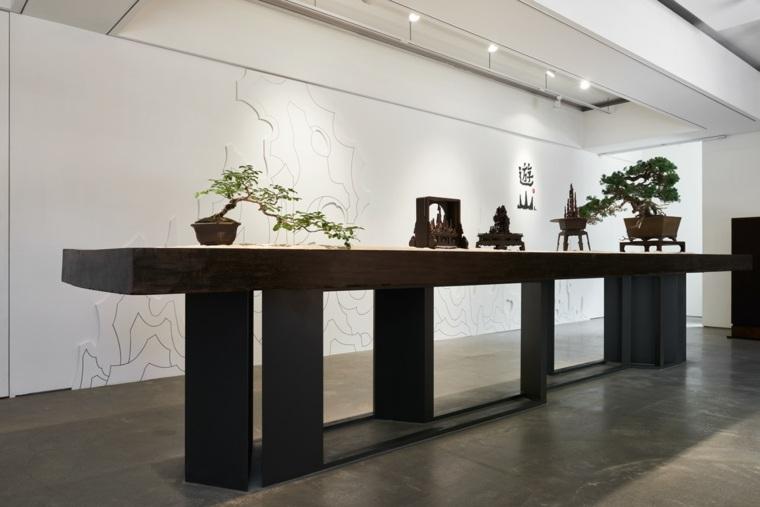mesa-alargada-madera-bonsai