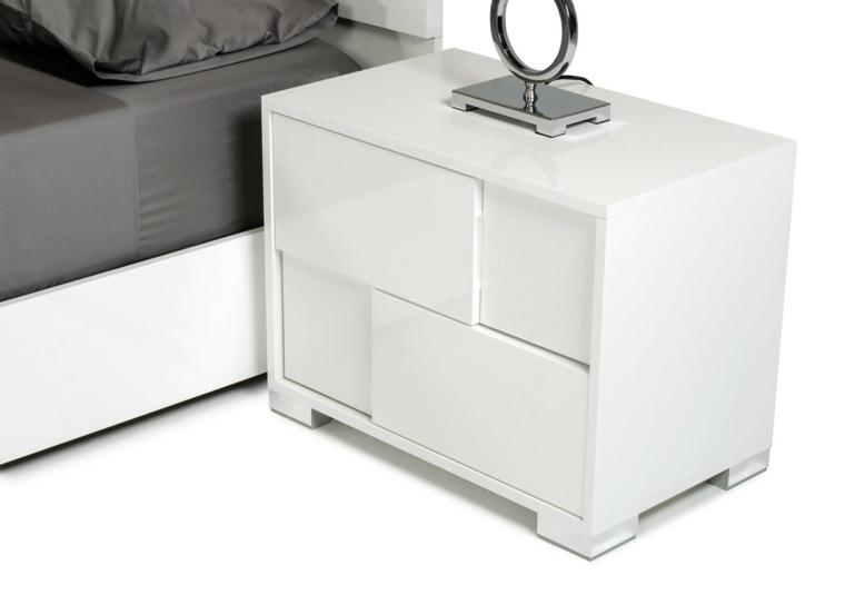 mesas de madera-blanca-decorar-dormitorios
