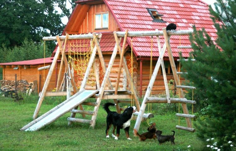 parque infantil de-troncos-de-jardin