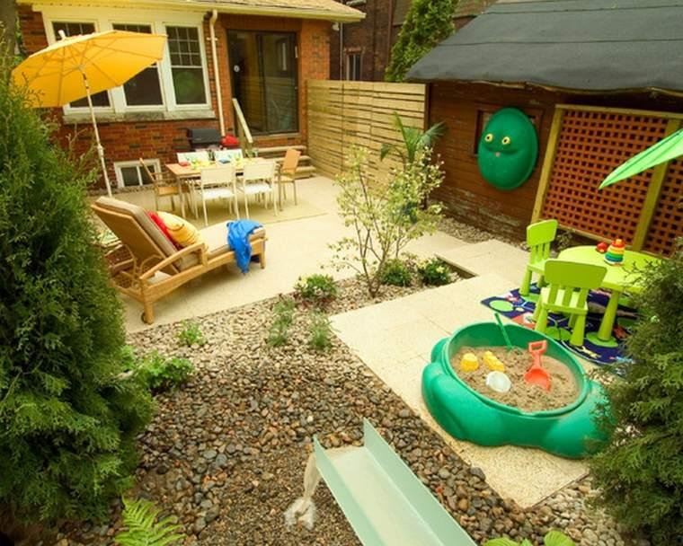 parque infantil pequeño