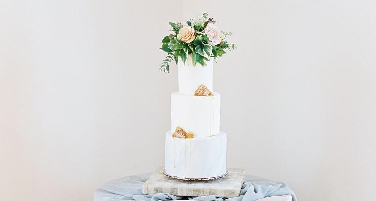pastel-bello-decorado-flores-color-ideas