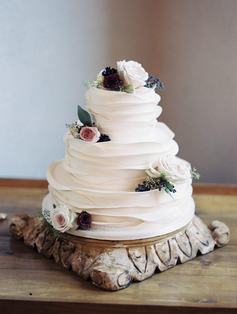 pastel-bo-moderno-decorado-flores