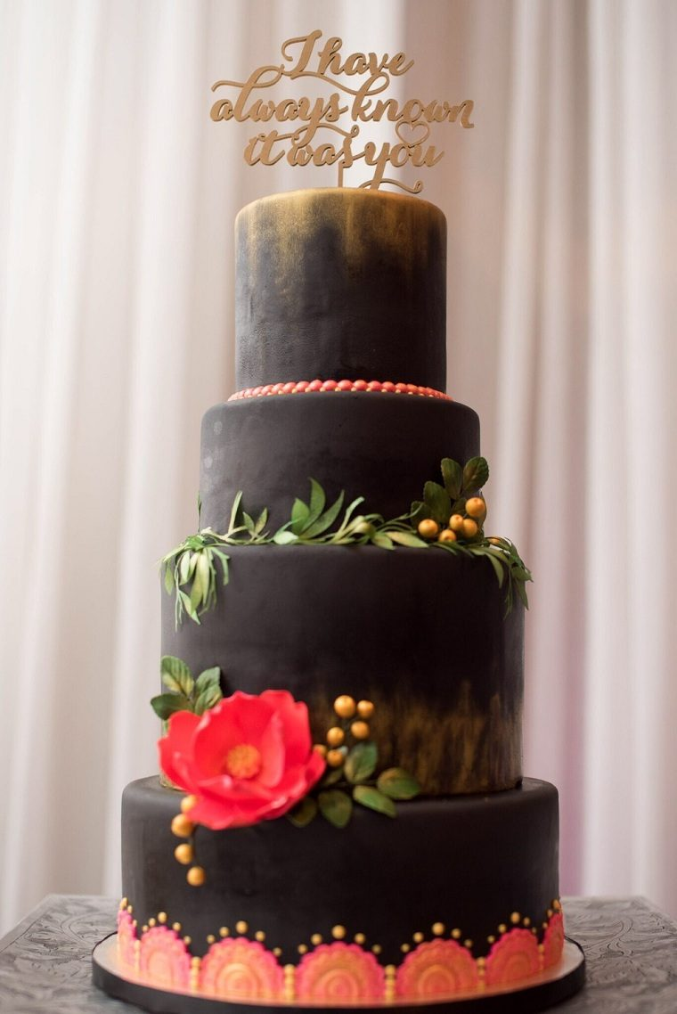 pasteles-de-boda-estilo-elegante-color-negro