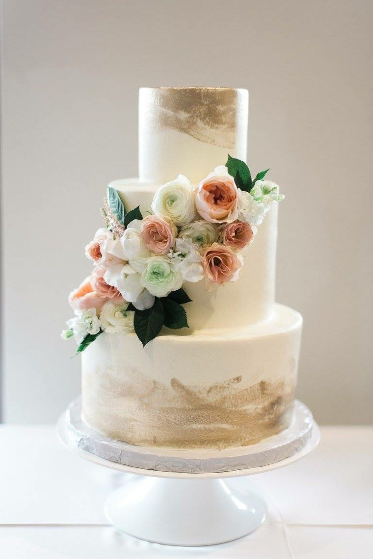 pasteles-de-boda-opciones-blancos-flores