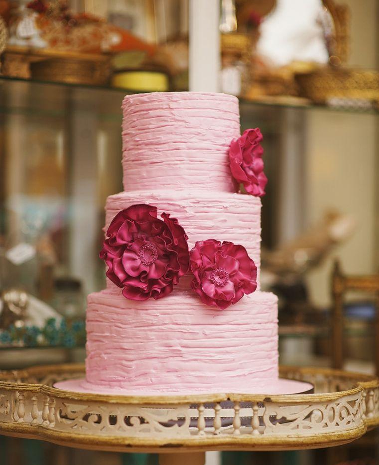 pasteles-de-boda-opciones-color-crema-rosa