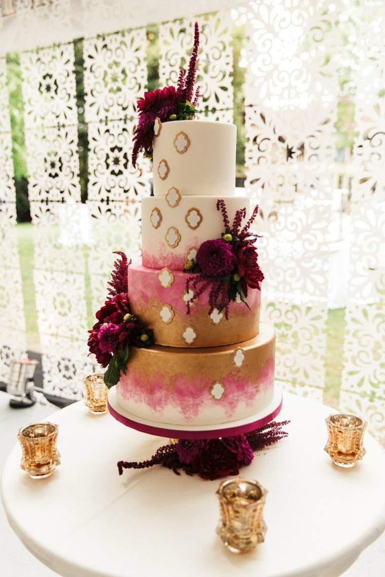 pasteles-de-boda-opciones-flores-color-rojo-oscuro