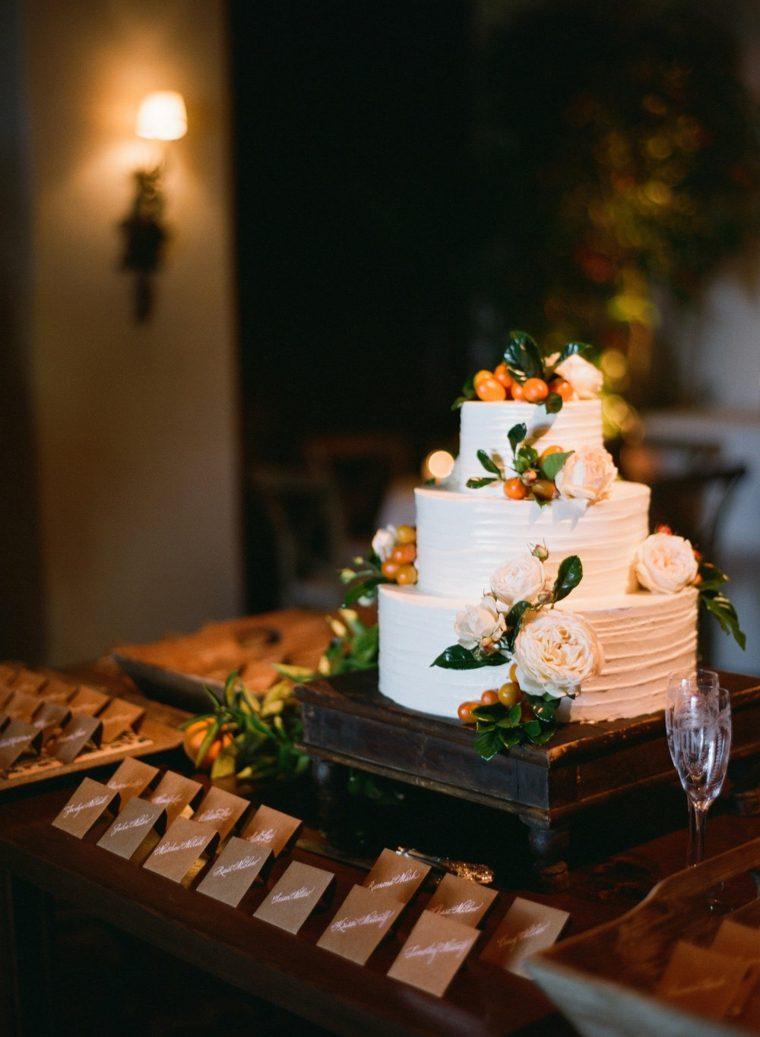 pasteles-de-boda-pequenos-decoracion-flores