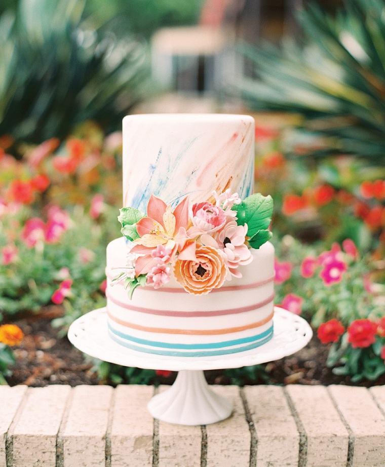 pasteles-de-boda-pequenos-flores-bellas-opciones