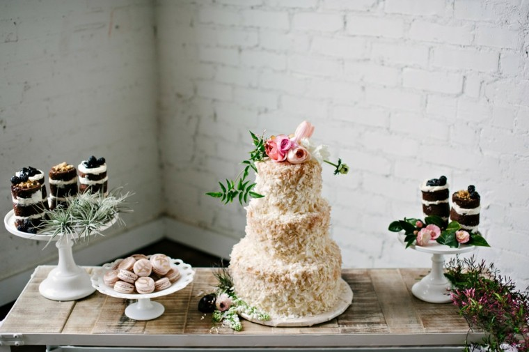 pasteles-para-boda-coco-decoracion-flores