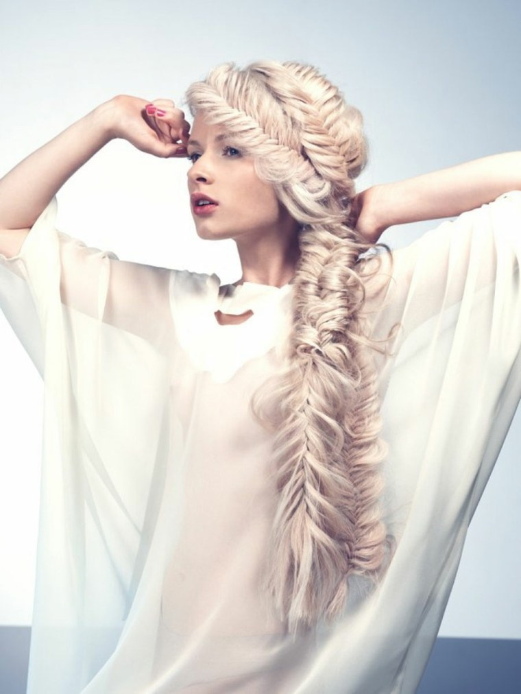 peinados de noche semirecogidos-trenza-lateral