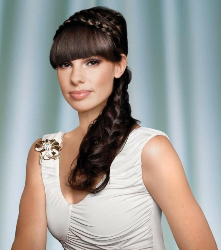 peinados medio recogidos-flequillo-moderno