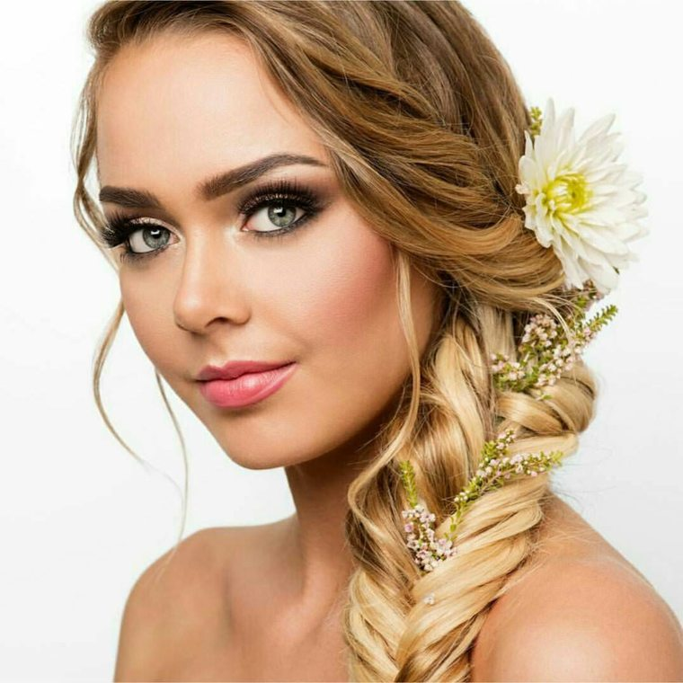 Peinados semirecogidos con trenzas para bodas muy modernos - Peinados de novia actuales ...