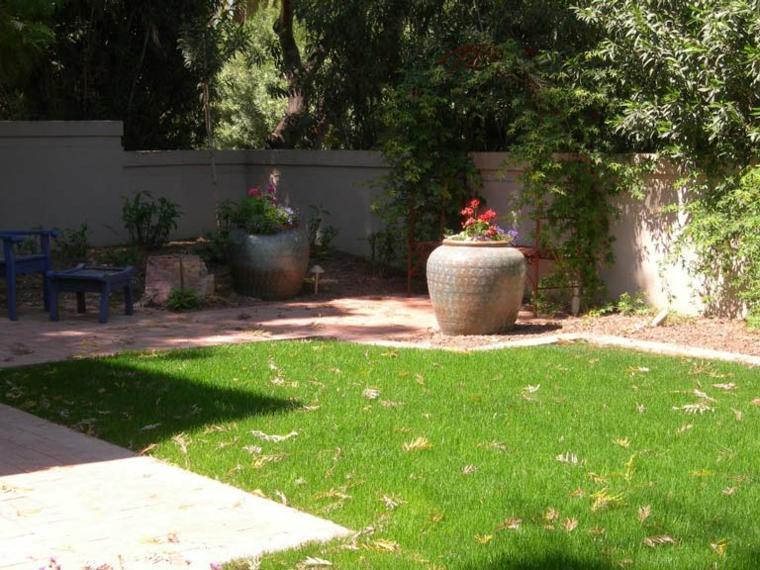 small-minimalist-garden