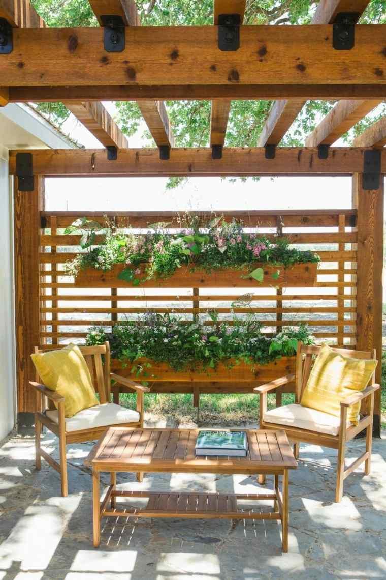 pergola-madera-estilo-clasico-jardin