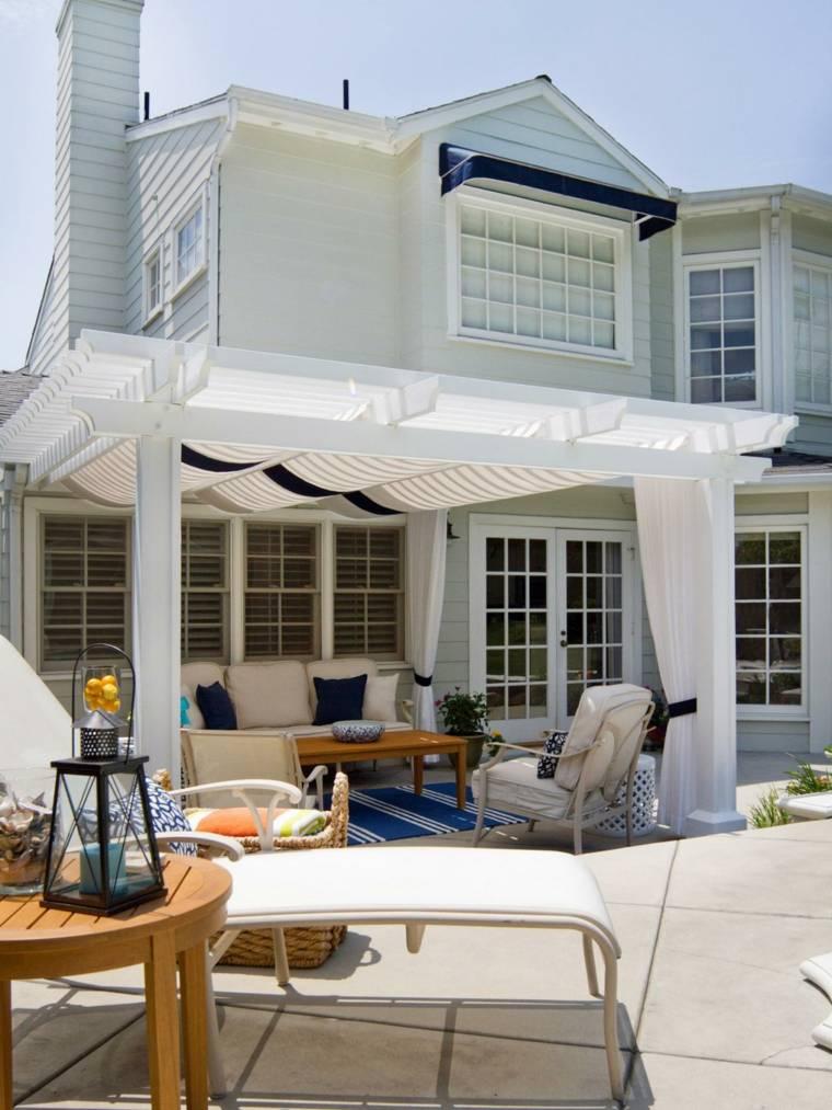 pergola-muebles-blancos-opciones-jardin