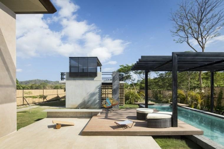 pergola-negra-piscina-jardin-estilo