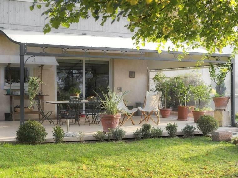 pergolas-para-jardin-espacio-aire-libre-sillas-estilo