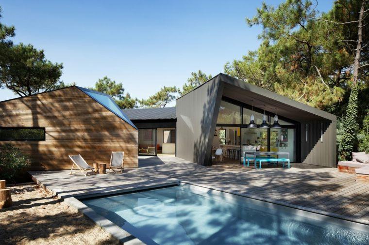 piscina-grande-jardin-amplio-moderno