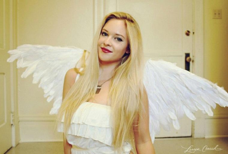 Traje de ángel con alas