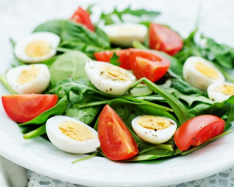 recetas de ensaladas-espinacas-huevos